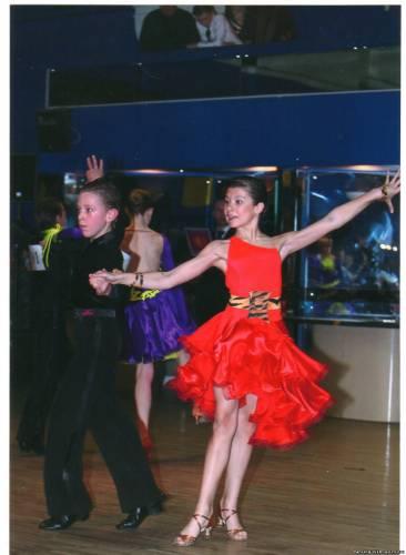 Спортивно бальные танцы платья стандарт фото юниоры 1